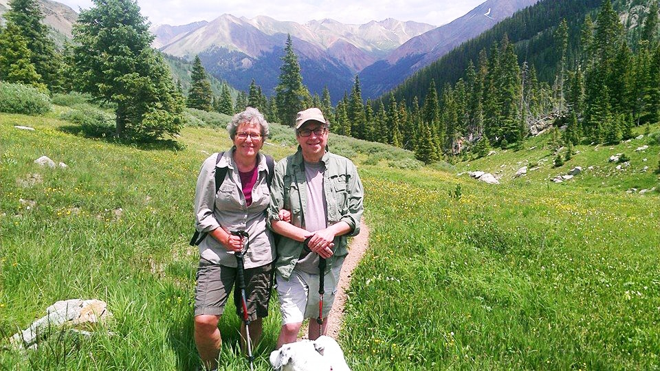 Aortic dissection survivor Alan and his wife in the mountains