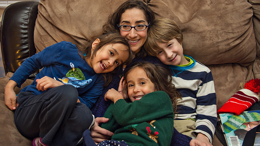 NSCLC patient Tori and her children
